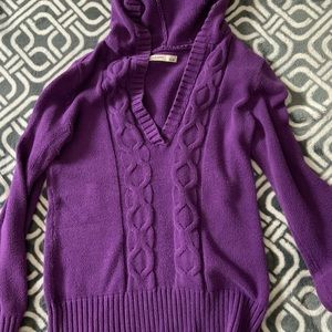 M hooded Old Navy sweater